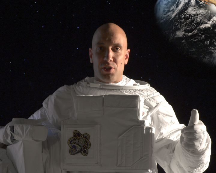 Захари Бахаров на Луната