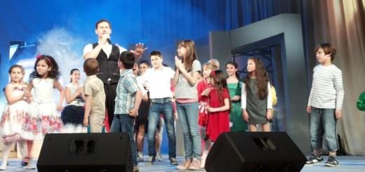 Орлин Павлов с песен за Коледа