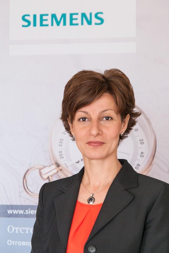 """Румяна Парушева пое отдел """"Комуникации"""""""
