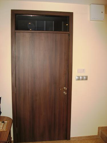vrata-s-nadstroika-otwatre