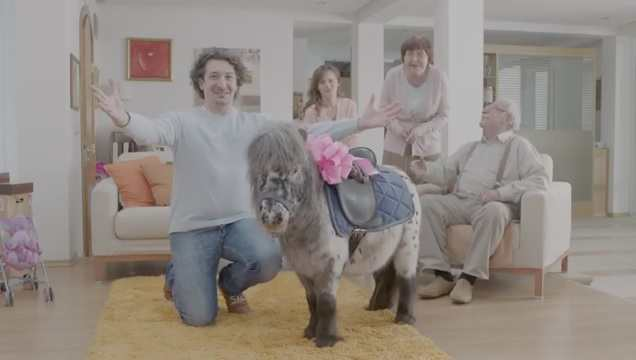Рекламата на кренвирши Бони