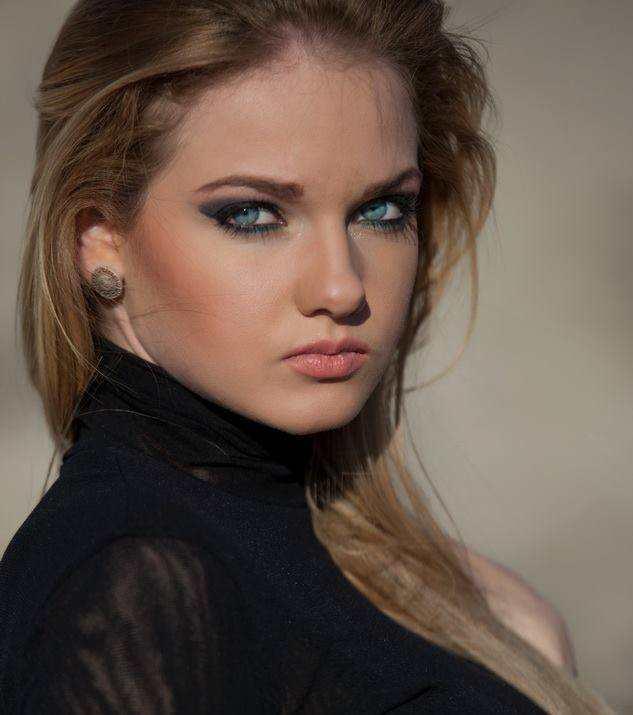 Мис България 2013 избира посланик на киселото мляко в Токио