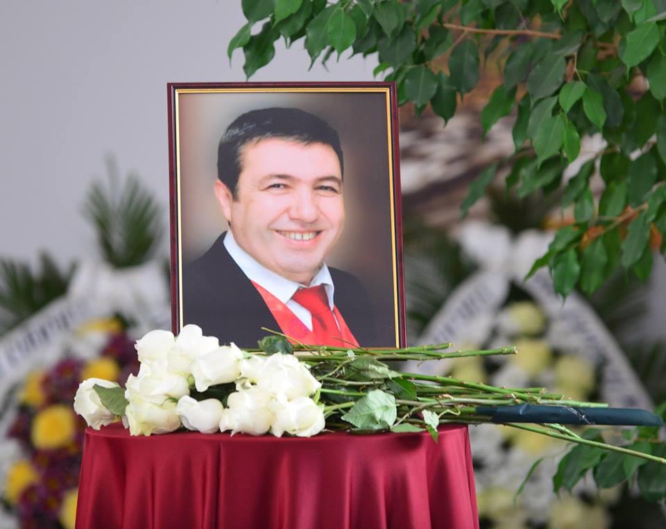 Гасан Насър
