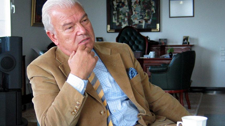 Петър Манджуков